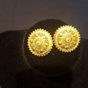 Ben-Amun Vintage Clip on Earrings